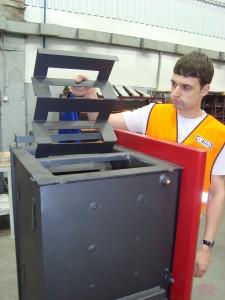 Värmeväxlaren är utrustad med en enkelt demonterbar turbulator.